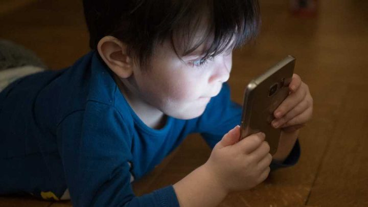 New research suggests parents should limit screen media for preschoolers