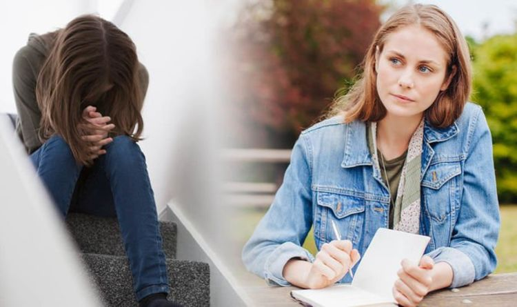 Anxiety help: How to use CBT to combat anxiety – The 4 steps to stop negative thoughts