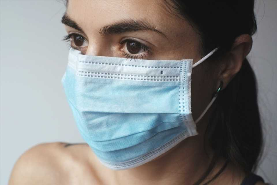 Are you doing it wrong? Doctors explain how to properly wear a mask and why