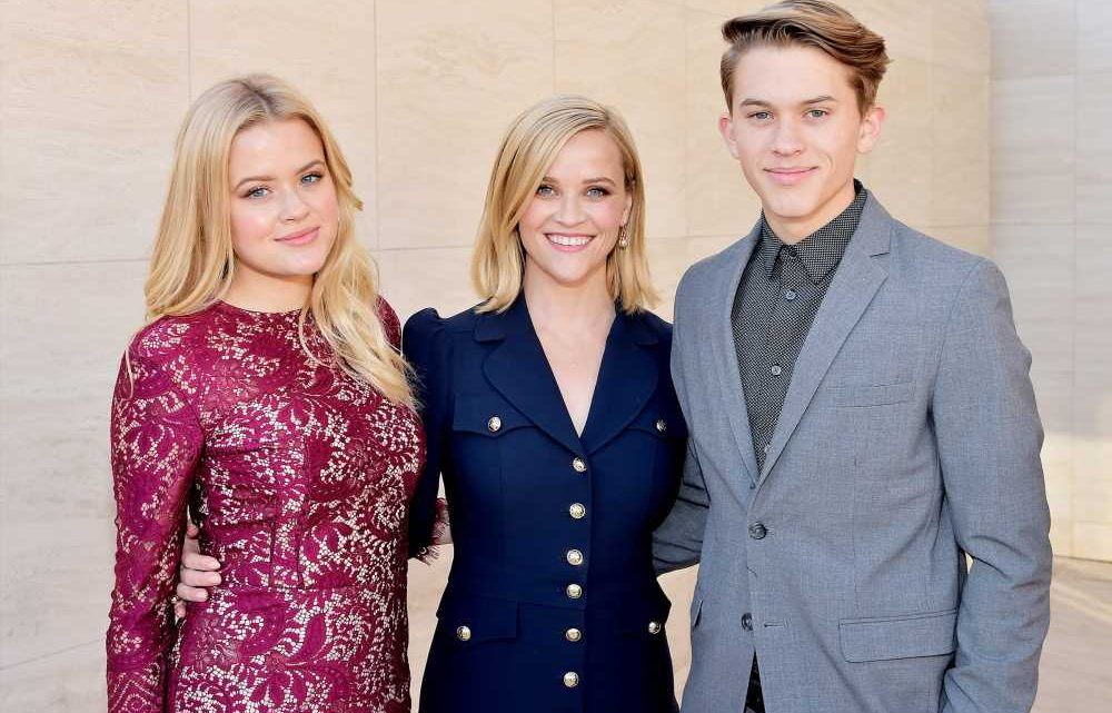 Reese Witherspoon Says She Was 'Terrified' of Becoming a Mom at 22: 'You Just Do It'