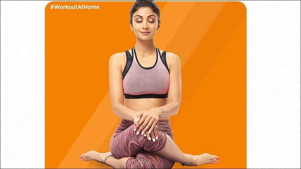 Shilpa Shetty Kundra suggests refreshing Yoga exercises to stretch and strengthen your back