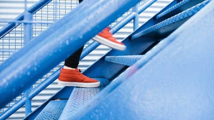 Stair climbing offers significant cardiovascular and muscular benefits for heart patients